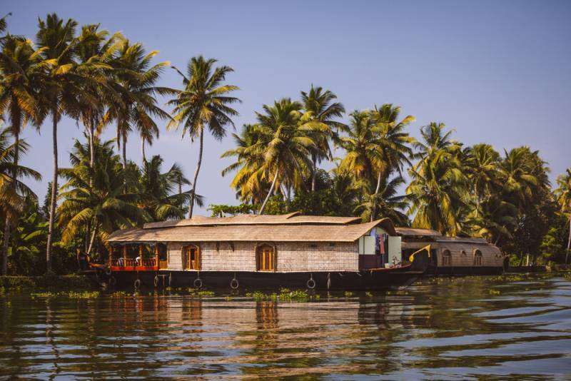 Colours Of Kerala With Houseboat