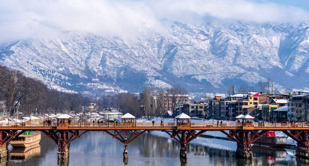 The Jewel of Kashmir :- A Paradise on Earth