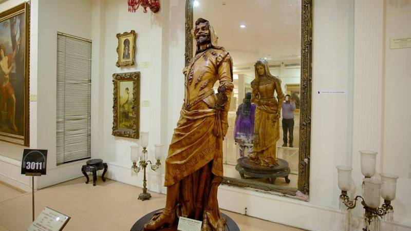 Collections of an Eccentric Nawab