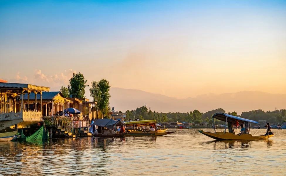 Kashmir Boating