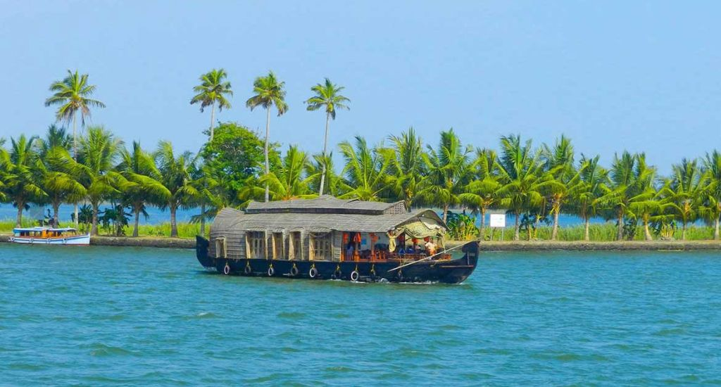 10 Days Kerala Luxury Vacation Packages
