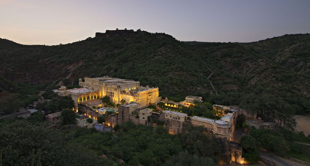 FORTS AND PALACES OF SPLENDID RAJASTHAN