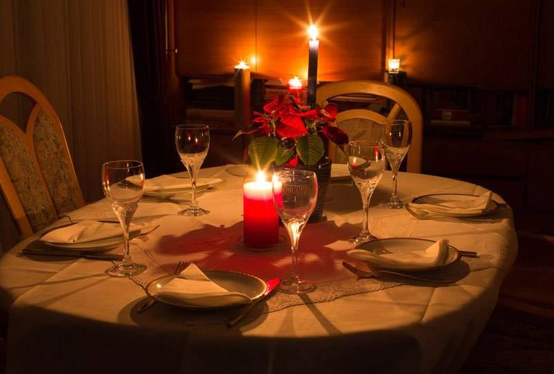 Candle Light Dinner- special Holidays