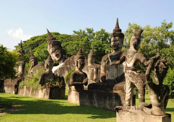 Luring Laos
